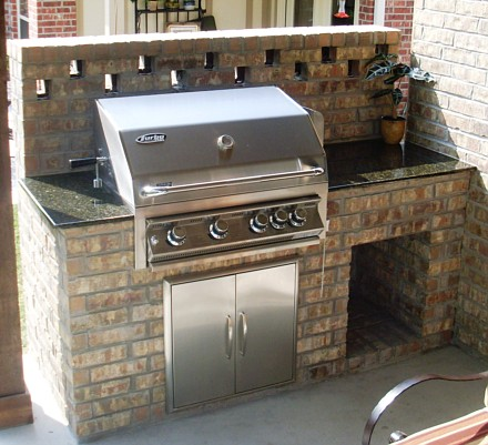 Brick outdoor kitchen stone countertops brick outdoor for Outdoor kitchen brick design