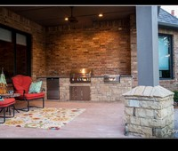 Outdoor Kitchen & Fireplaces